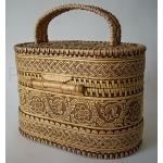 """Берестяная шкатулка-сумочка для косметики или рукоделия """"Модница"""""""